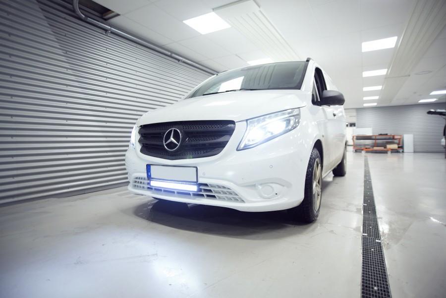 Phares additionnels et barres à LED pour véhicules professionnels ou personnels